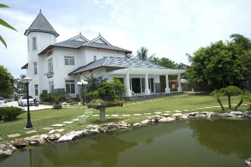 biet thu vuon hien dai - 30 Mẫu thiết kế biệt thự với kiến trúc hiện đại đẹp