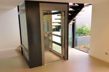 thiết kế nhà ống có thang máy