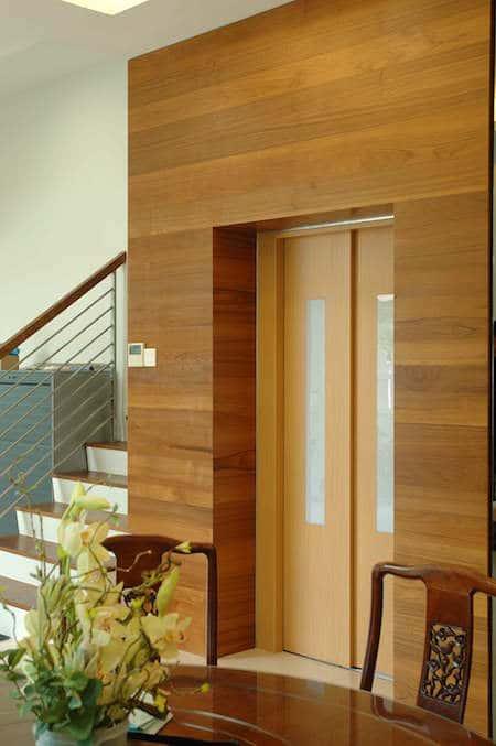 nha co thang may dep 6 - 20 Mẫu thiết kế nhà ống có thang máy đẹp với kiến trúc hiện đại