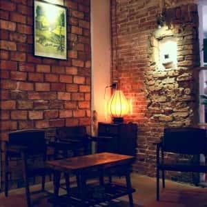 quan cafe co dien 300x300 - Thiết kế quán cafe cổ điển