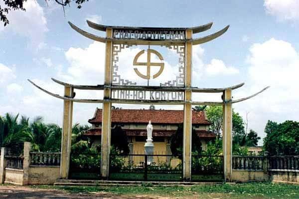 chua hong tu 01 - Kiến trúc độc đáo của Chùa Hồng Từ (Kon Tum)