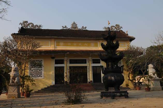 chua hong tu 02 - Kiến trúc độc đáo của Chùa Hồng Từ (Kon Tum)