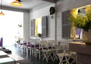 thiet ke quan cafe theo phong cach han quoc koneko 1377926147 300x210 - Các dự án thiết kế quán cafe đã thực hiện theo phong cách Hàn Quốc