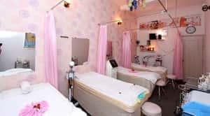 thiet ke spa dep tre hoa da tai Dep 360 Spa 5 300x166 - Thiết kế nội thất spa đẹp