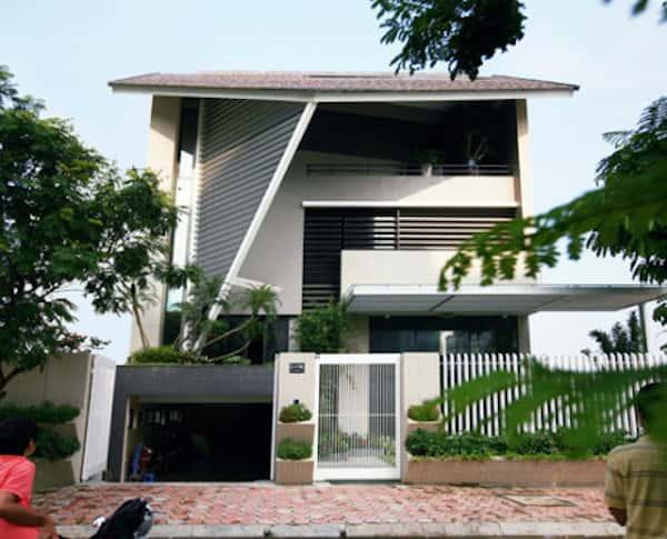 biet thu cong tang ham 5 - Mẫu thiết kế nhà 2.5 tỷ đẹp