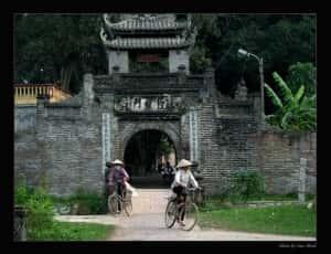 thiet ke kien truc cong lang dep 316932692 50de7e9da5 o 300x230 - Kiến trúc và văn hóa cổng làng người Việt
