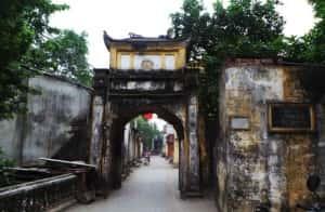 thiet ke kien truc cong lang dep anh1 892b2 300x196 - Kiến trúc và văn hóa cổng làng người Việt