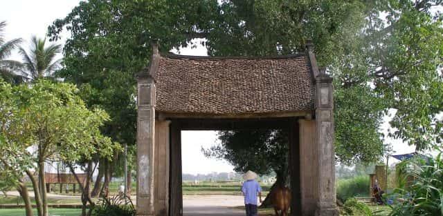 Kiến trúc và văn hóa cổng làng người Việt