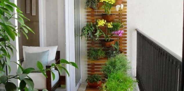 Thiết kế và bố trí cây và hoa phù hợp không gian kiến trúc