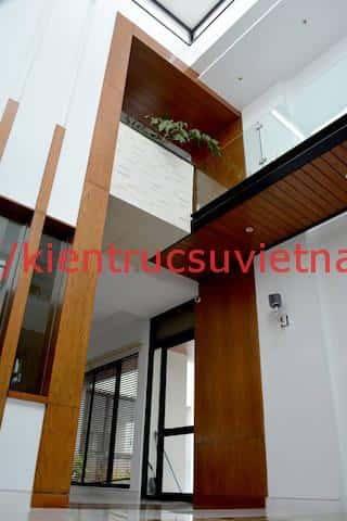 biet thu 3 tang hien dai gangui thien nhien 002 - Biệt thự 3 tầng với phong cách hiện đại gần gũi với thiên nhiên