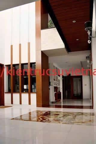 biet thu 3 tang hien dai gangui thien nhien 005 - Biệt thự 3 tầng với phong cách hiện đại gần gũi với thiên nhiên
