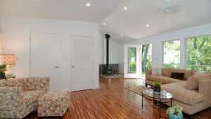 nha 1 tang vung nong thoi mai thai dep 8 300x169 - Nhà 1 tầng ở vùng nông thôn miền núi đẹp với 3 phòng ngủ