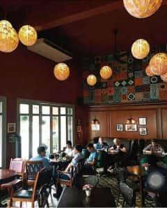 quan cafe dep qcfd010409 240x300 - Quán cafe sách yên tĩnh ở Hà Nội