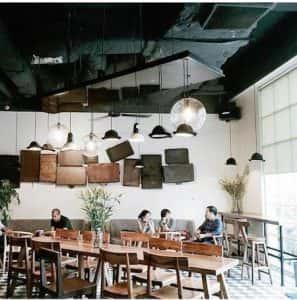 quan cafe dep qcfd01088 297x300 - Mẫu quán cafe để học bài ở Hà Nội