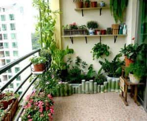 ban cong nha dep 5 300x246 - Tiêu chuẩn những mẫu thiết kế lan can ban công đẹp và an toàn