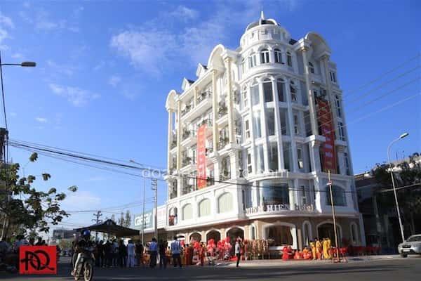 khach san co dien 26 - Thiết kế khách sạn cổ điển sang trọng