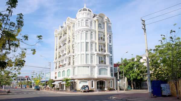khach san co dien 27 - Thiết kế khách sạn Khánh Hòa