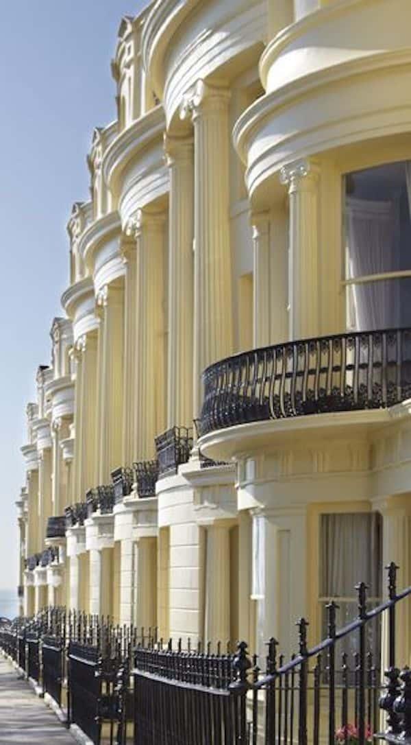 mau khach san co dien 6 - Thiết kế khách sạn cổ điển sang trọng