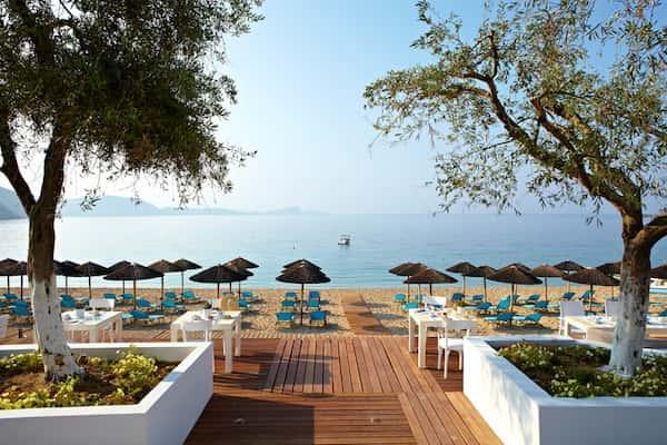 thiet ke khach san bien 2 - Thiết kế khách sạn biển đẹp và sang trọng
