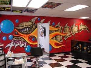 ve tranh tuong shop thoi trang 03 300x225 - Vẽ Tranh tường quán karoke sinh động hấp dẫn