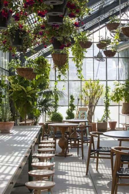 thiet ke quan cafe dep 4 - Những phong cách kiến trúc cafe được ưa chuông hiện nay