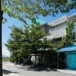 Ngôi nhà phố yên bình xây tặng mẹ, chứa đầy kí ức về cha của cậu con trai Nha Trang