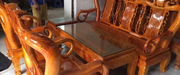 Bỏng mắt với 10 bàn ghế ghế gỗ xà cừ với giá 12 đến 15 triệu