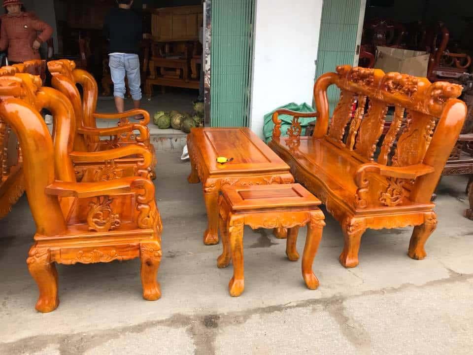 ban ghe xa cu 2 - Bỏng mắt với 10 bàn ghế ghế gỗ xà cừ với giá 12 đến 15 triệu