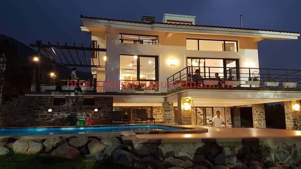 biet thu hien dai 3 tang dep - Biệt thự 2 tầng mái dốc trên đồi có hồ bơi cực chất