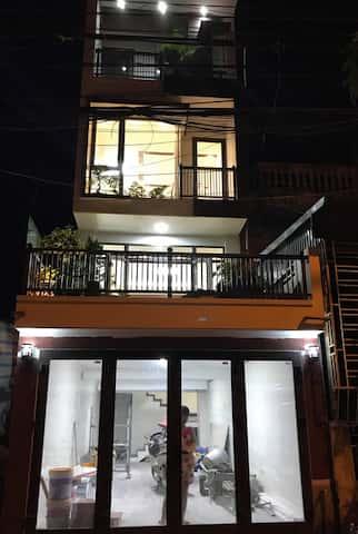 xay nha 4 tang 3 - Xây nhà 4 tầng dành riêng tầng 2 làm tiểu cảnh bonsai cực chất