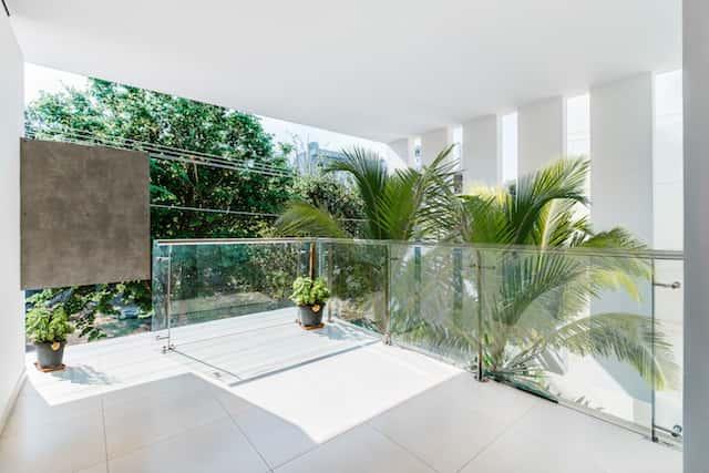 biet thu hien dai hanh lang - Công trình biệt thự 2 tầng hiện đại đẹp