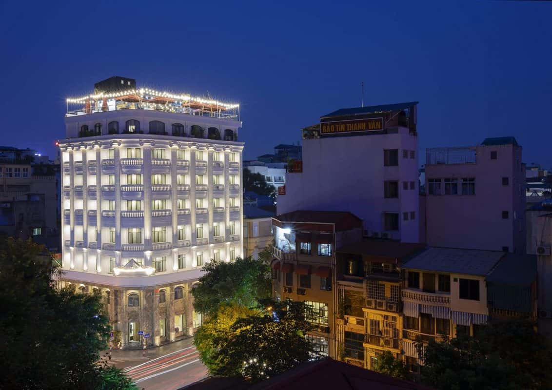 biet thu tan co dien 1132x800 - Thiết kế khách sạn phong cách Pháp