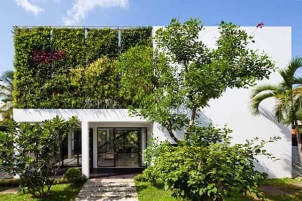 cai tao biet thu vuon lot xac an tuong 1 601x400 - Thiết kế biệt thự sân vườn 2 tầng mặt tiền xanh mát