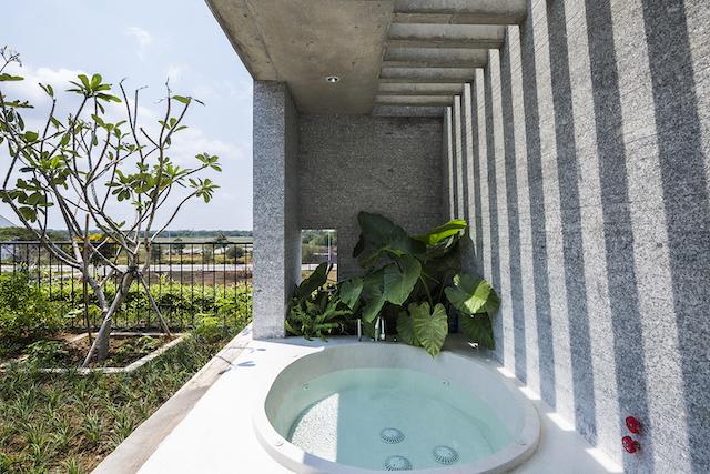 thiet ke biet thu dep pic15  Bathroom OKI - Binh House / VTN Architects: Ngôi nhà cây xanh cho các đô thị phát triển