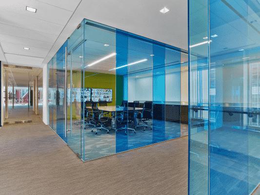 vp2 533x400 - Sử dụng vách kính văn phòng mang lại những lợi ích gì