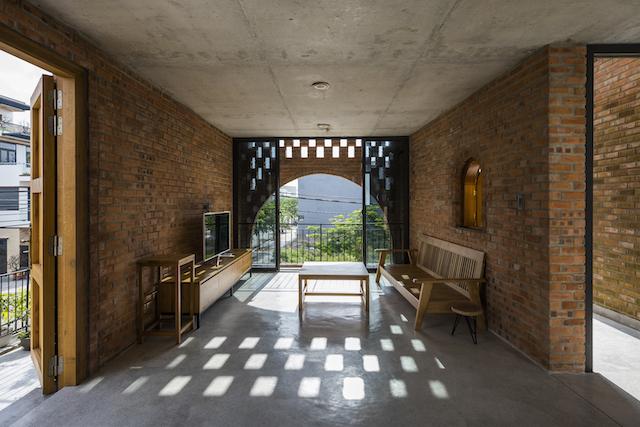 nha dep 8690 - Ngôi nhà mộc thiết kế dành cho 4 người (bố mẹ và 2 con) kết hợp với quán cà phê ở Đà Nẵng