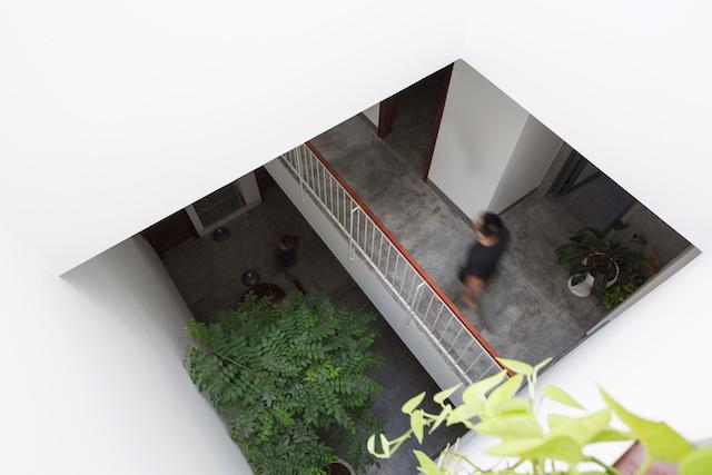 thiet ke nha dep HHouse photos 10 - Ngôi nhà phố nhỏ hẹp giải quyết triệt để vấn đề giải quyết các vấn đề thông gió, ánh sáng tự nhiên