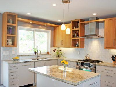 Nên bố trí đồ đạc trong bếp một cách hợp lý. không lộn xộn 2 400x300 - Nhà hướng đông đặt bếp hướng nào hợp lý nhất