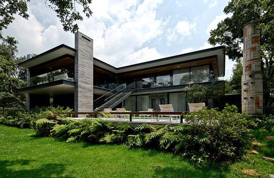 biet thu kieu my hien dai 1 - Thiết kế biệt thự kiểu Mỹ có sân vườn hồ bơi đẹp