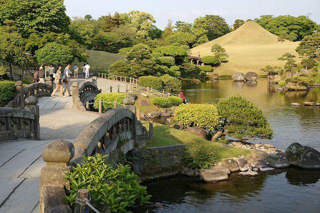 thiet ke san vuon nhat ban 1 - Thiết kế nhà vườn đẹp
