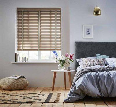 rem cua so phong ngu 2 400x369 - Cách chọn rèm cửa sổ phòng ngủ chuẩn đẹp và hợp phong thủy