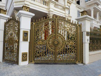 cong biet thu 2 400x300 - Tổng hợp các phong cách thiết kế cổng biệt thự siêu đẹp 2020