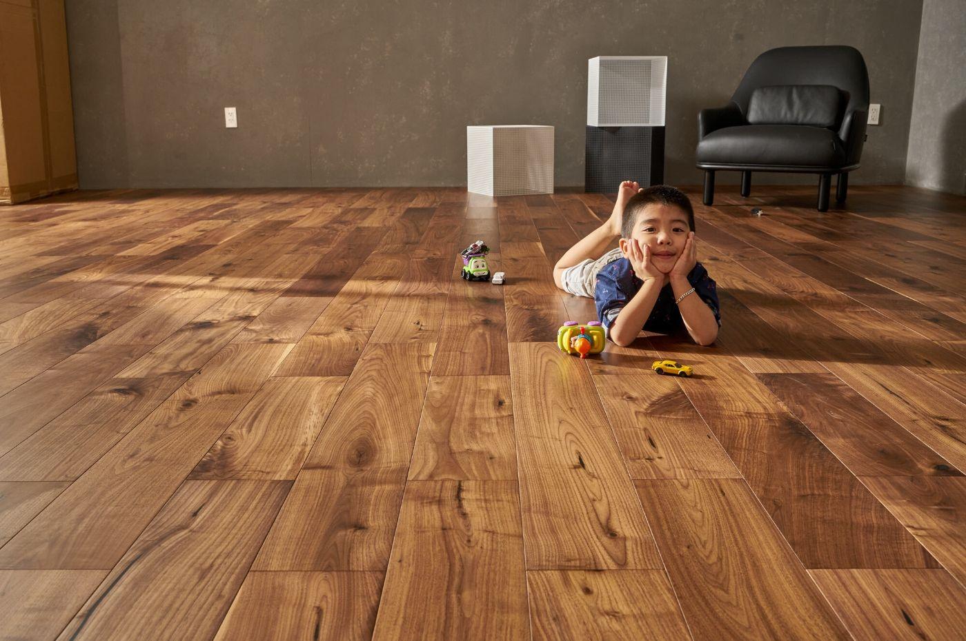 san go tu nhien 2 - Những ưu điểm vượt trội của sàn gỗ tự nhiên bạn nên biết