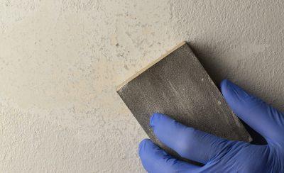 xu ly son bong troc phong rop 400x244 - Hướng dẫn xử lý sơn tường bong tróc phồng rộp đơn giản tiết kiệm
